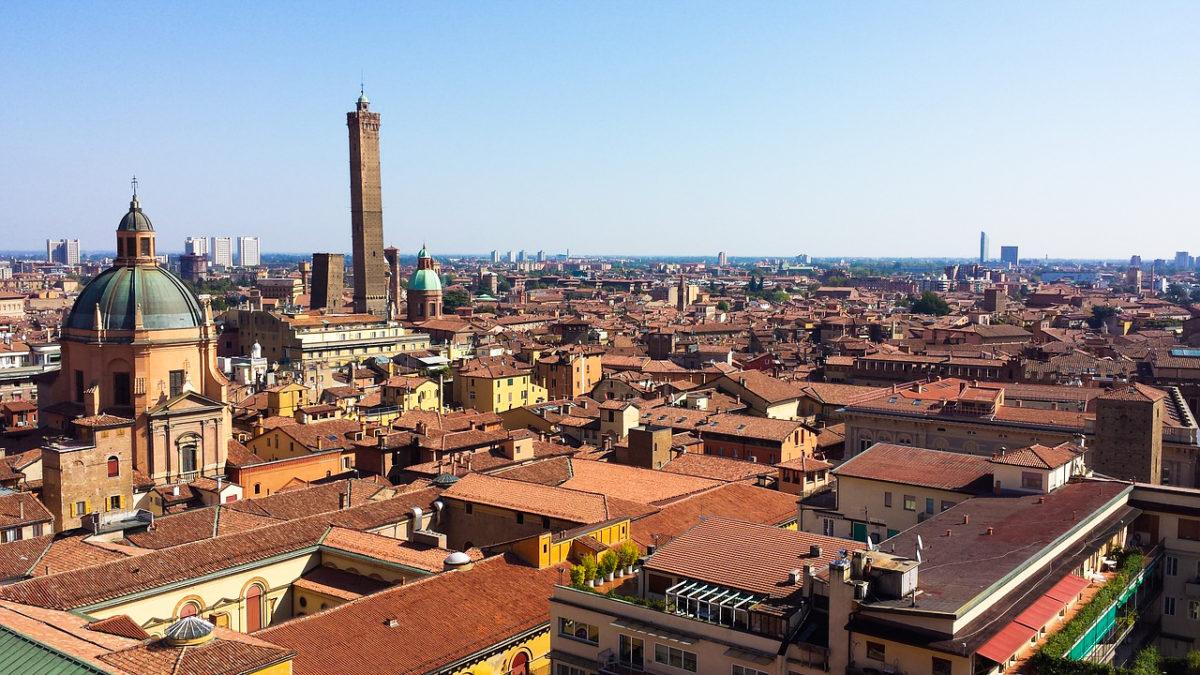 Bologna zpáteční letenky za 878 Kč