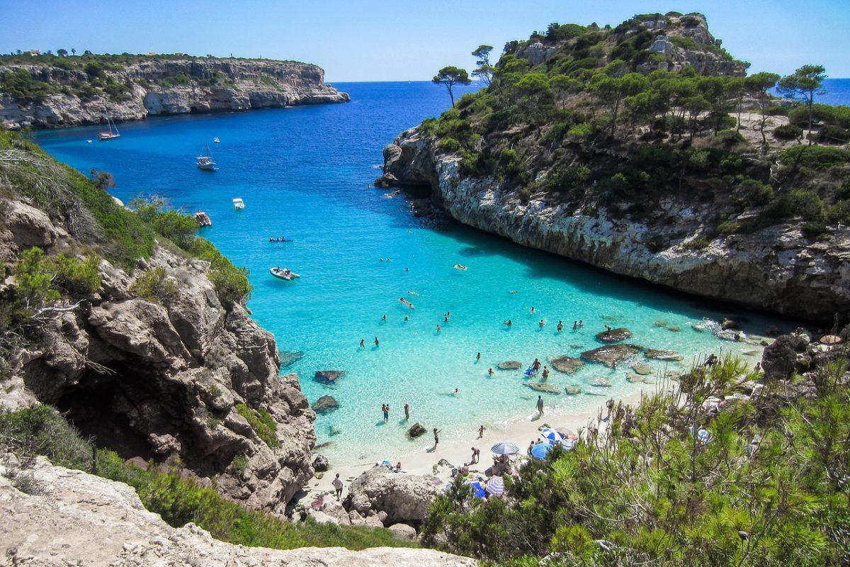 Mallorca zpáteční letenky za 654 Kč