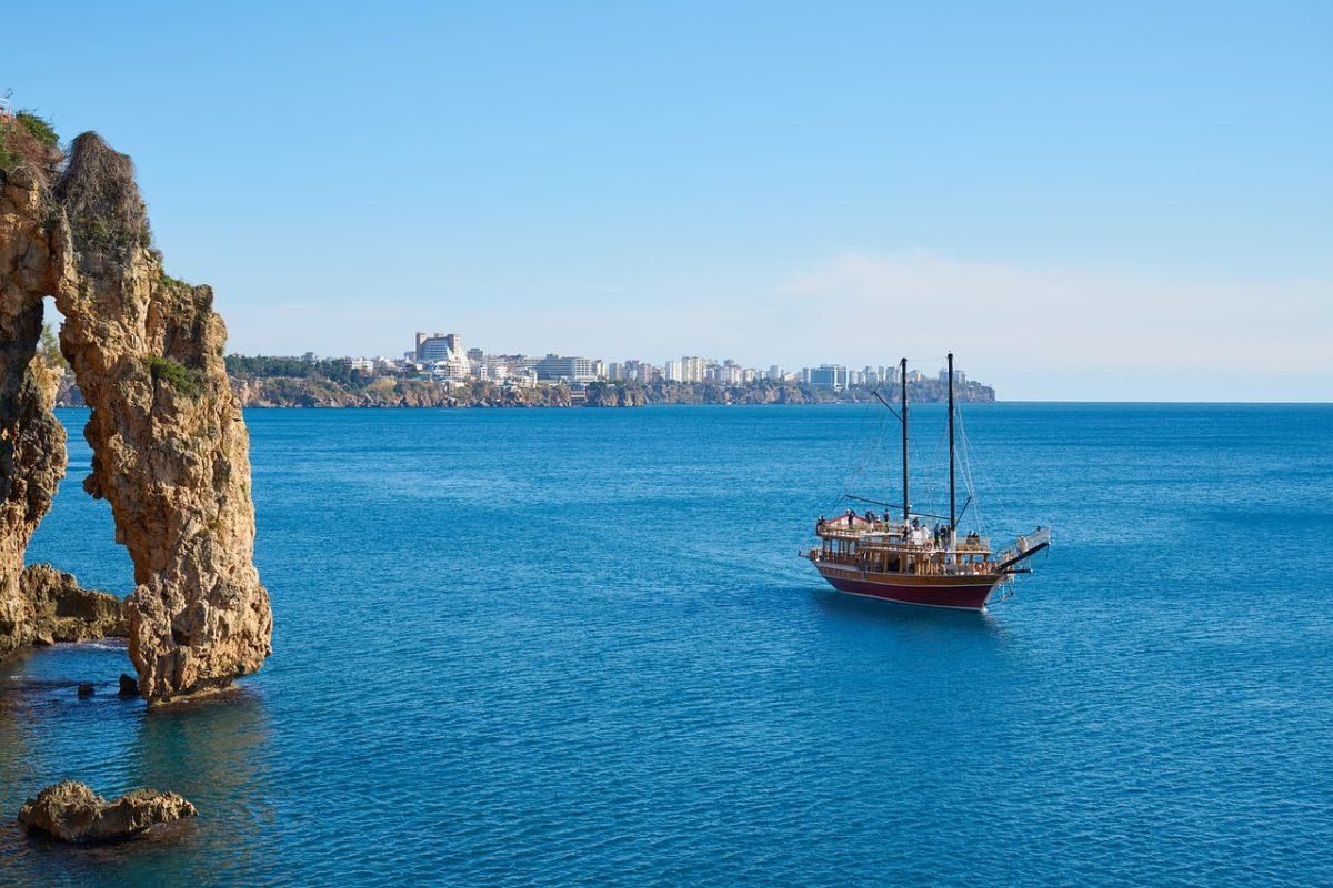 Antalya zpáteční letenky za 652 Kč